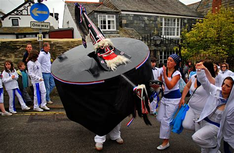Padstow Obby Oss 2009_D2283 | At the Obby Oss May Day