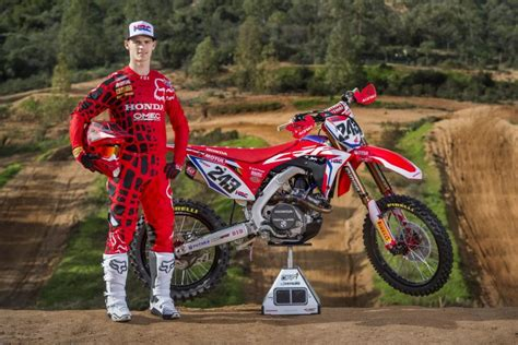 Report: Tim Gajser to Race Monster Energy Cup - MXGP