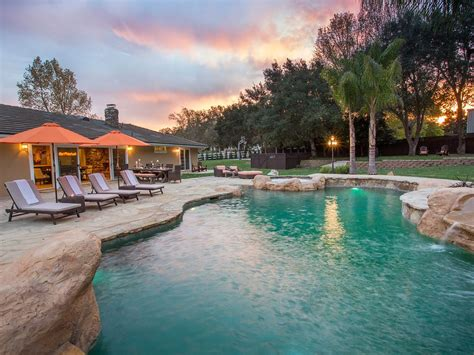 Paradise Valley Retreat - Wine Country Resort-Style Living