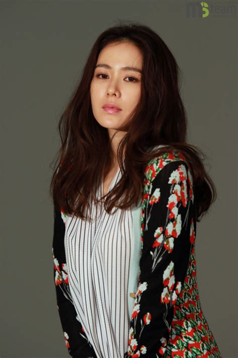 Son Ye-jin's behind-the-scenes cuts from her spring
