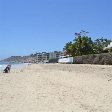 how to get to malibu's carbon beach or billionaire's beach