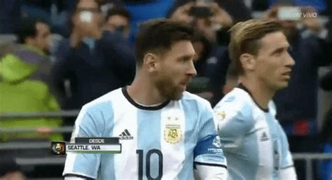 Lionel Messi GIFs - Get the best GIF on GIPHY
