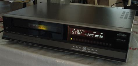 General Electric VHS VCR Model9-7115